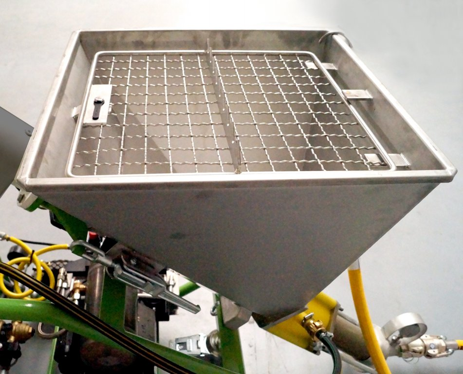 Picco Power: Material hopper made of stainless steel with protective grating