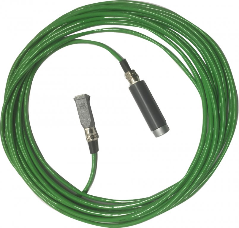 Remote control cable with remote control switch